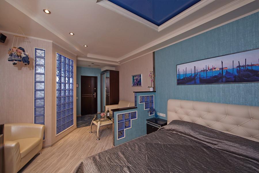 Бирюзовая комната в отеле Премиум