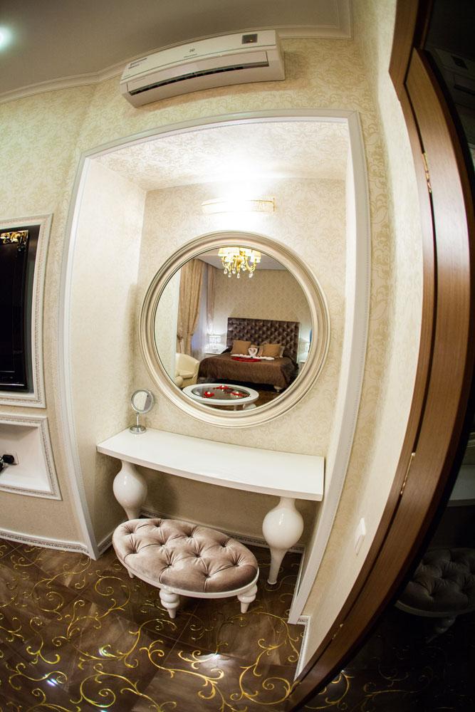Авантюриновая комната в отеле Премиум