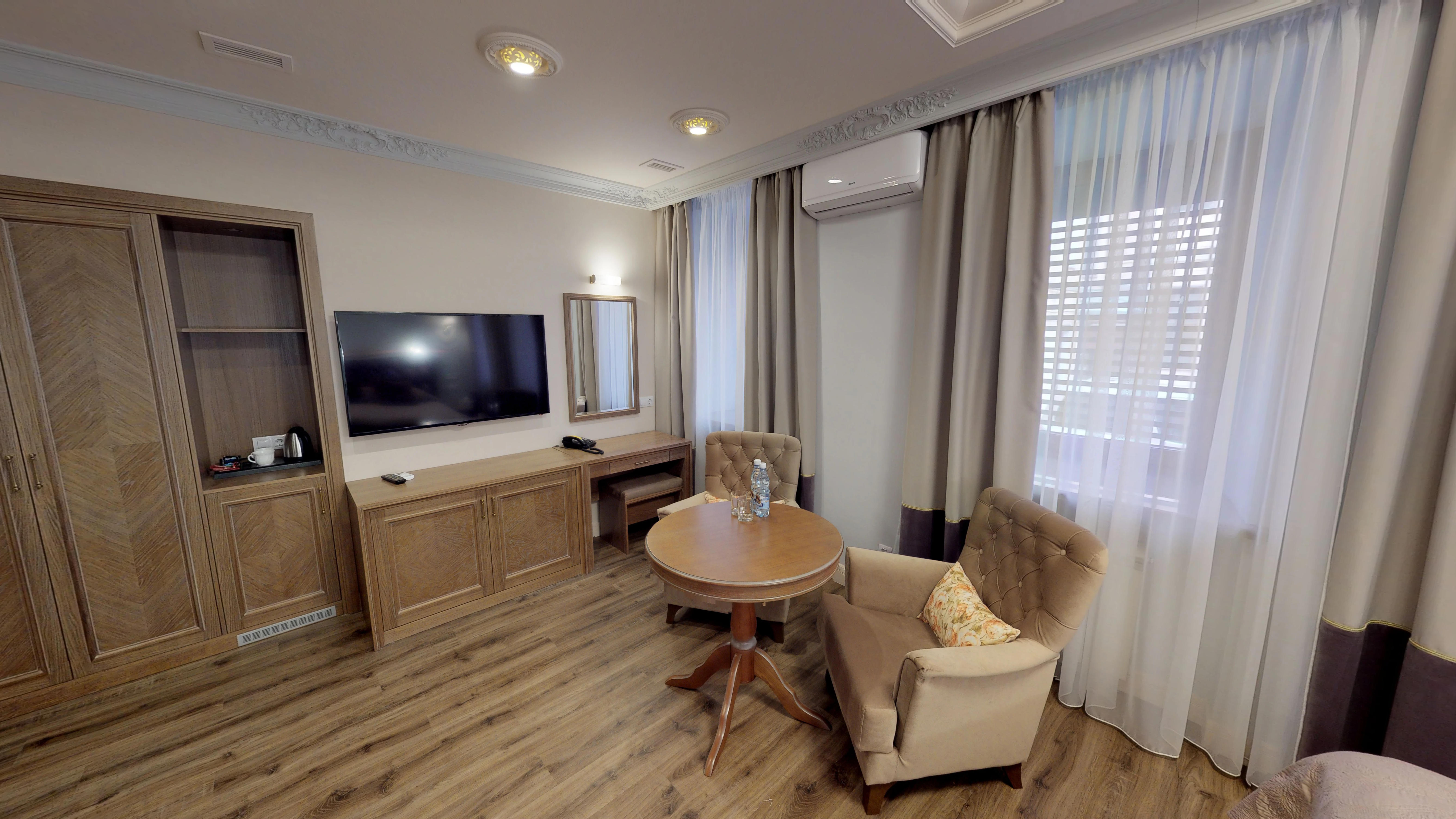 Коралловая комната в отеле Премиум